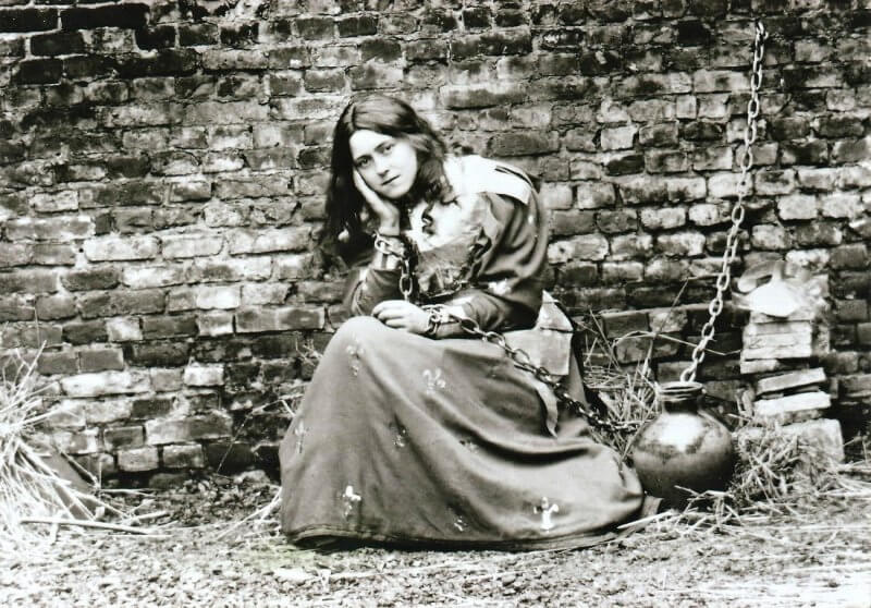 Thérèse of Lisieux acting as Joan of Arc in prison